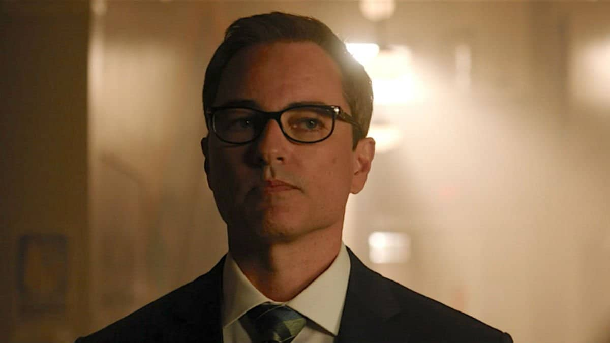 Who plays Principal Honey on Riverdale?