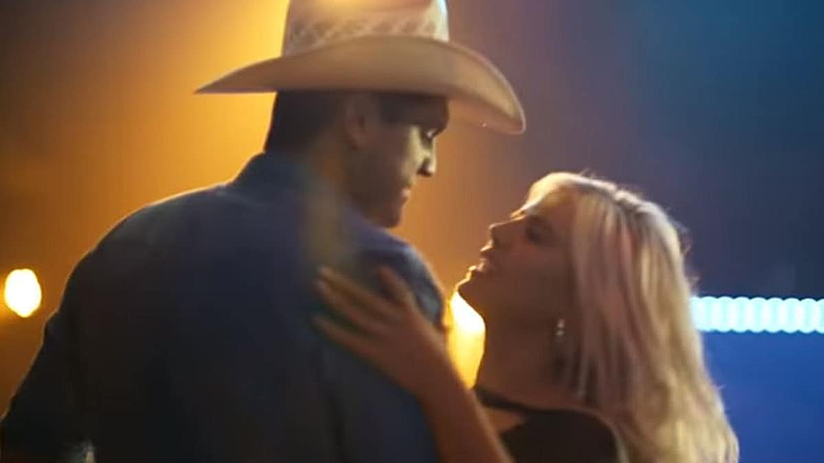 summer2 800x450 - Summer Duncan: Who is Jon Pardi's new fiancee?