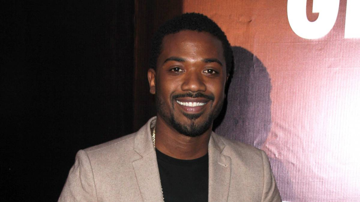 Ray J at a movie premiere