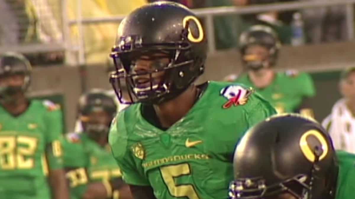 former oregon quarterback darron thomas is part of the xfl draft player pool