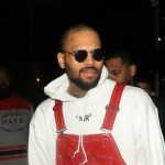Chris Brown ha designer yard sale.