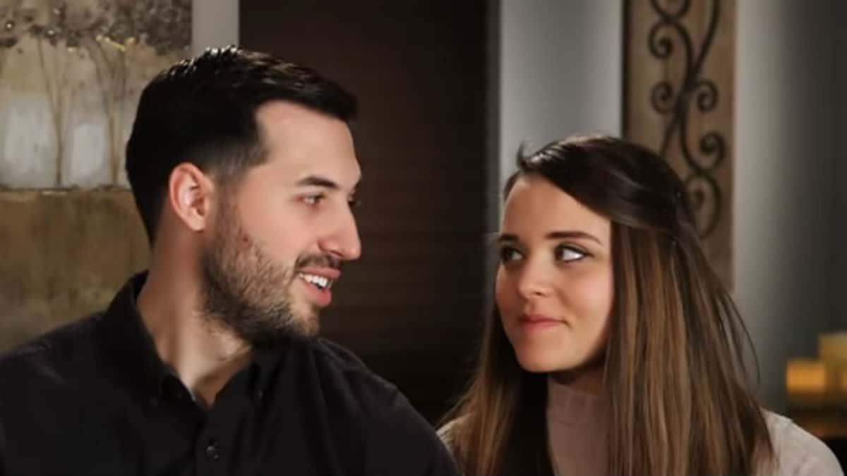 Jinger Duggar and Jeremy Vuolo during a Counting On confessional.