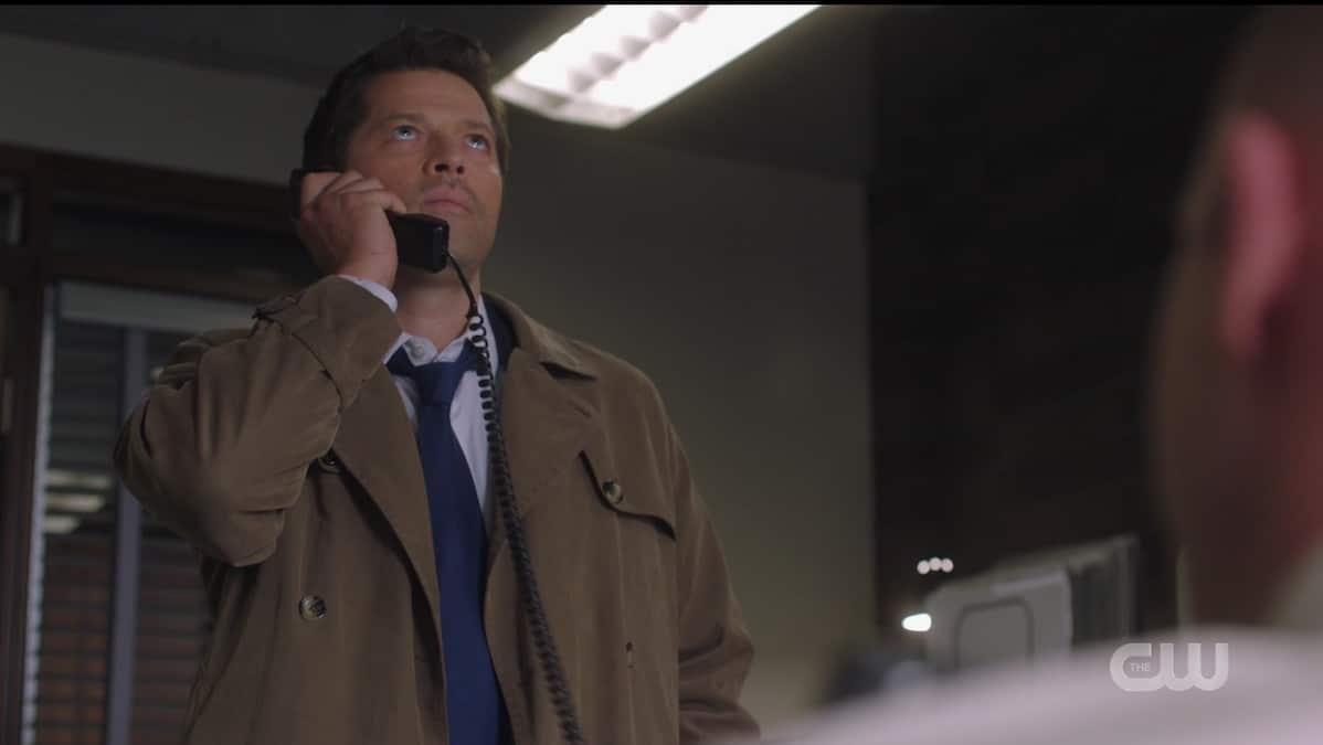 Misha Collins as Castiel on the phone with Dean. Pic credit: The CW