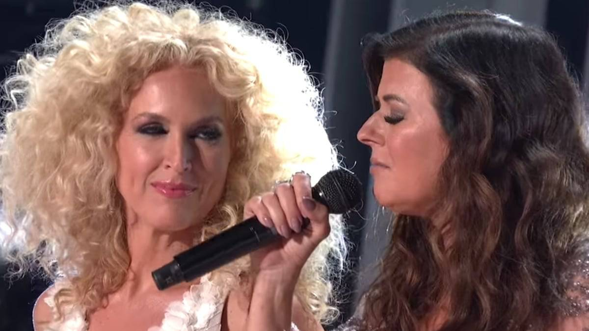 Little Big Town during the Girl Crush performance at the 2019 CMAs