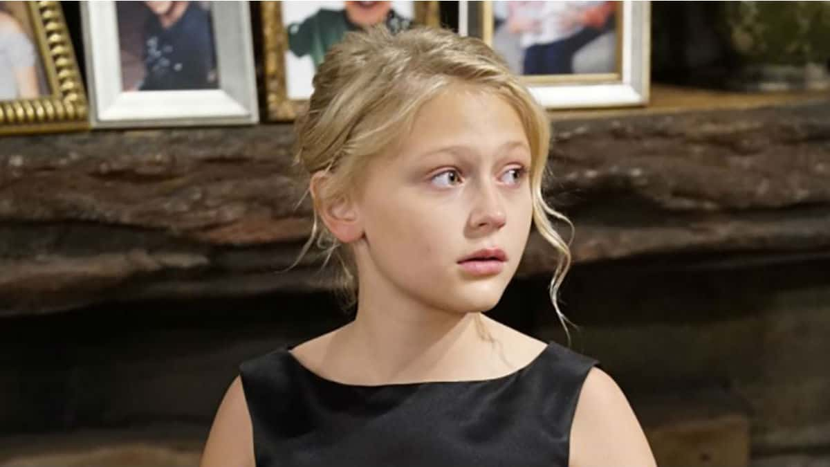 Alyvia Alyn Lind brings Faith Newman back to The Young and the Restless for the holidays.
