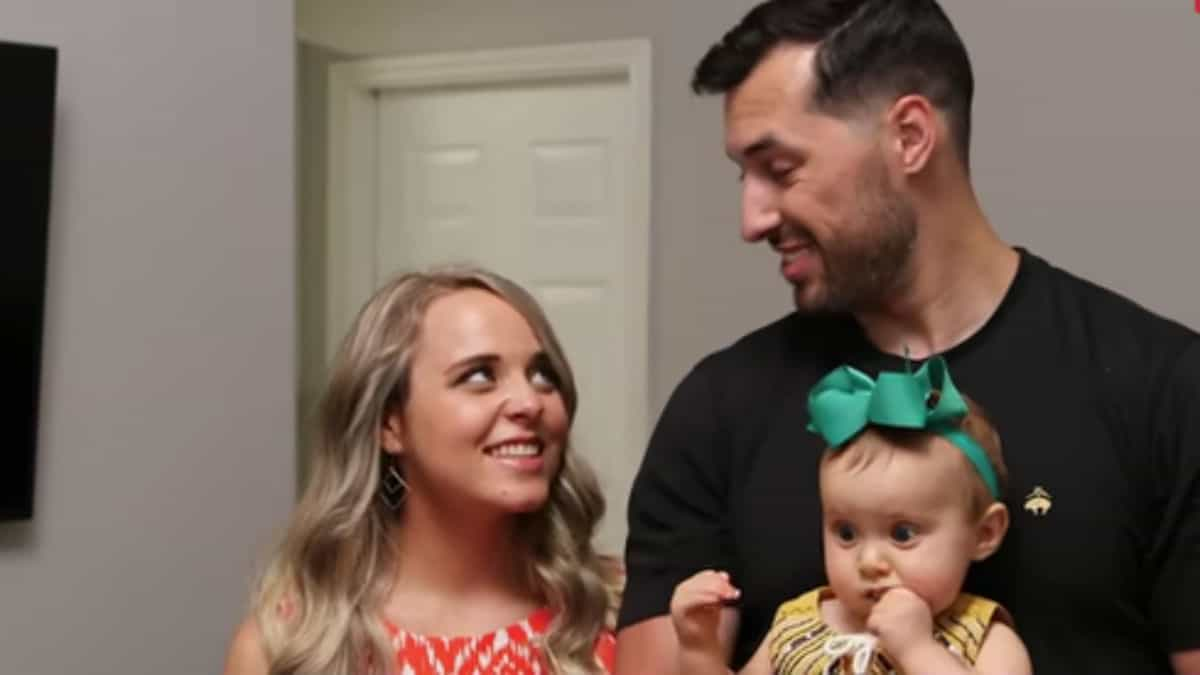 Jinger Duggar and Jeremy Vuolo with daughter, Felicity,