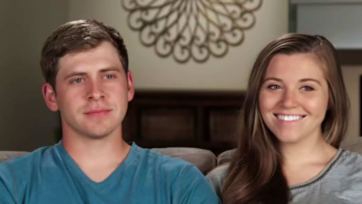 Austin Forsyth and Joy-Anna Duggar during a Counting On confessional.