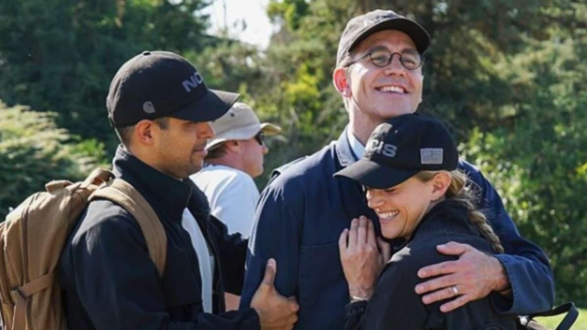 NCIS Cast Hug