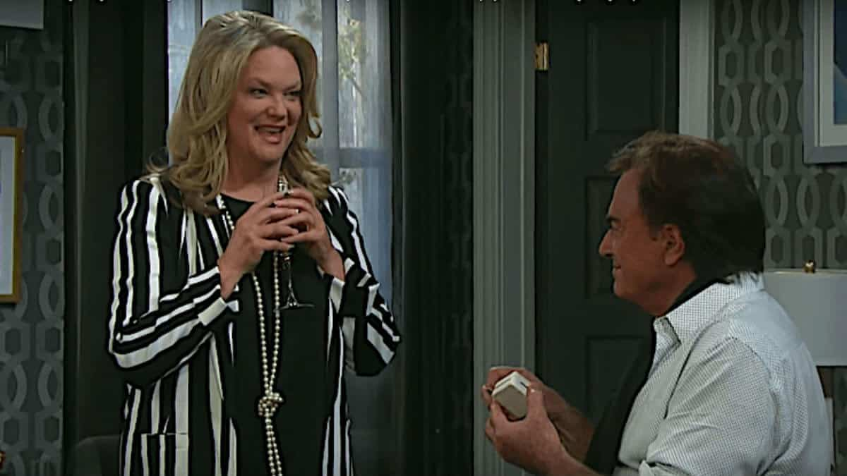Days of our Lives Thaao Penghlis and Leann Hunley are back!