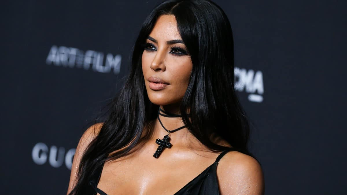 Kim Kardashian poses in bra on Instagram with sons