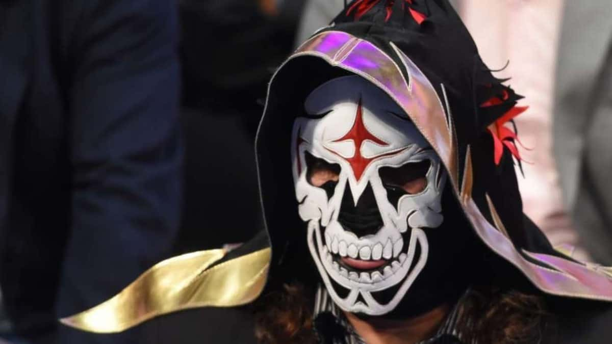 Lucha Libre legend La Parka dies at 54