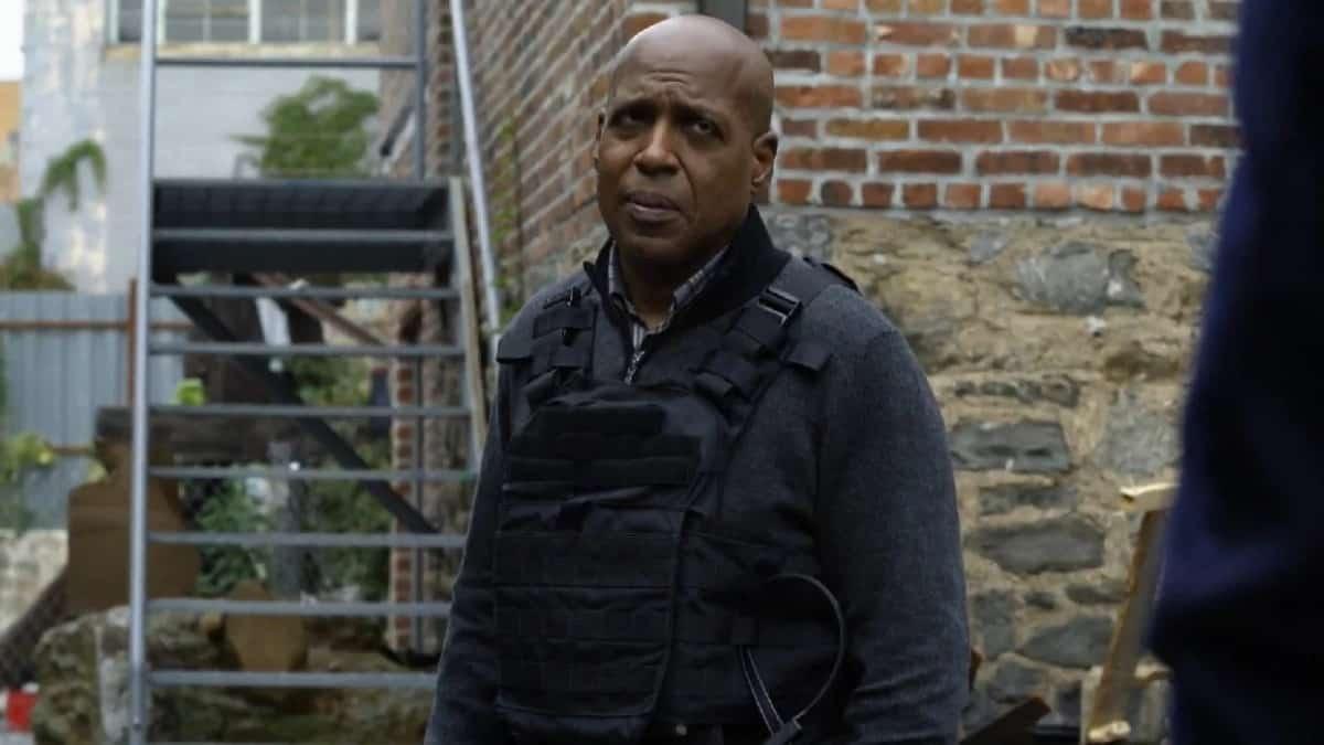 Daryl Edwards as Robert Vance on Manifest