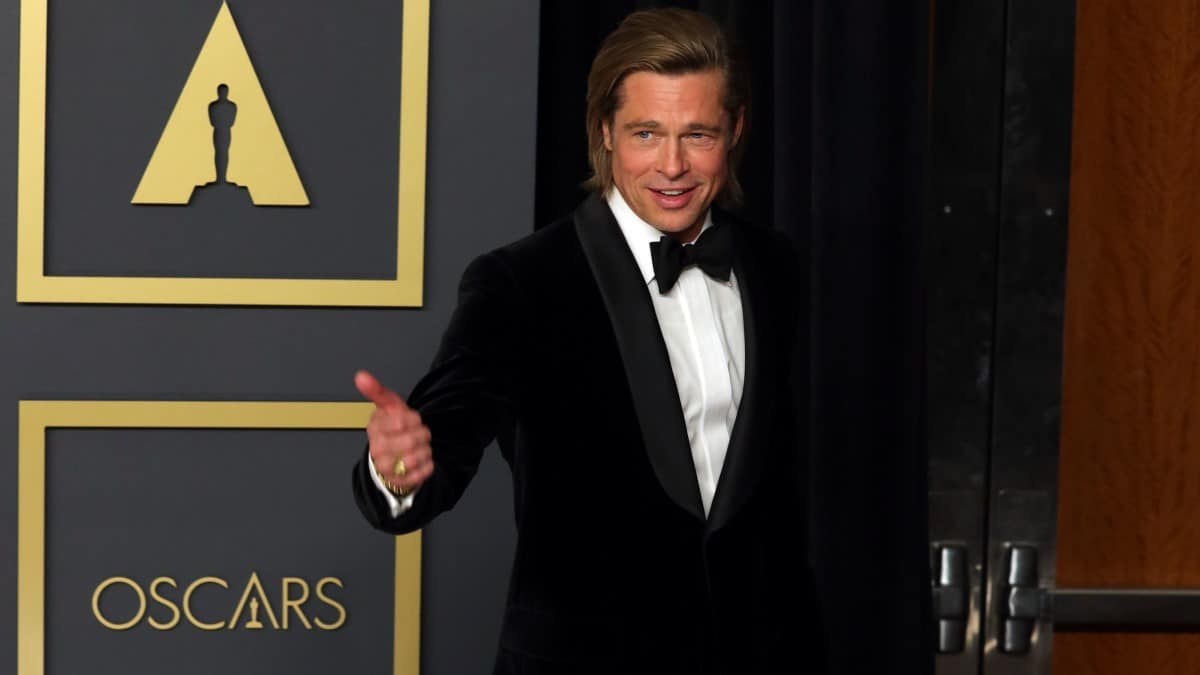 Brad Pitt wins Best Supporting Actor of 92nd Oscars