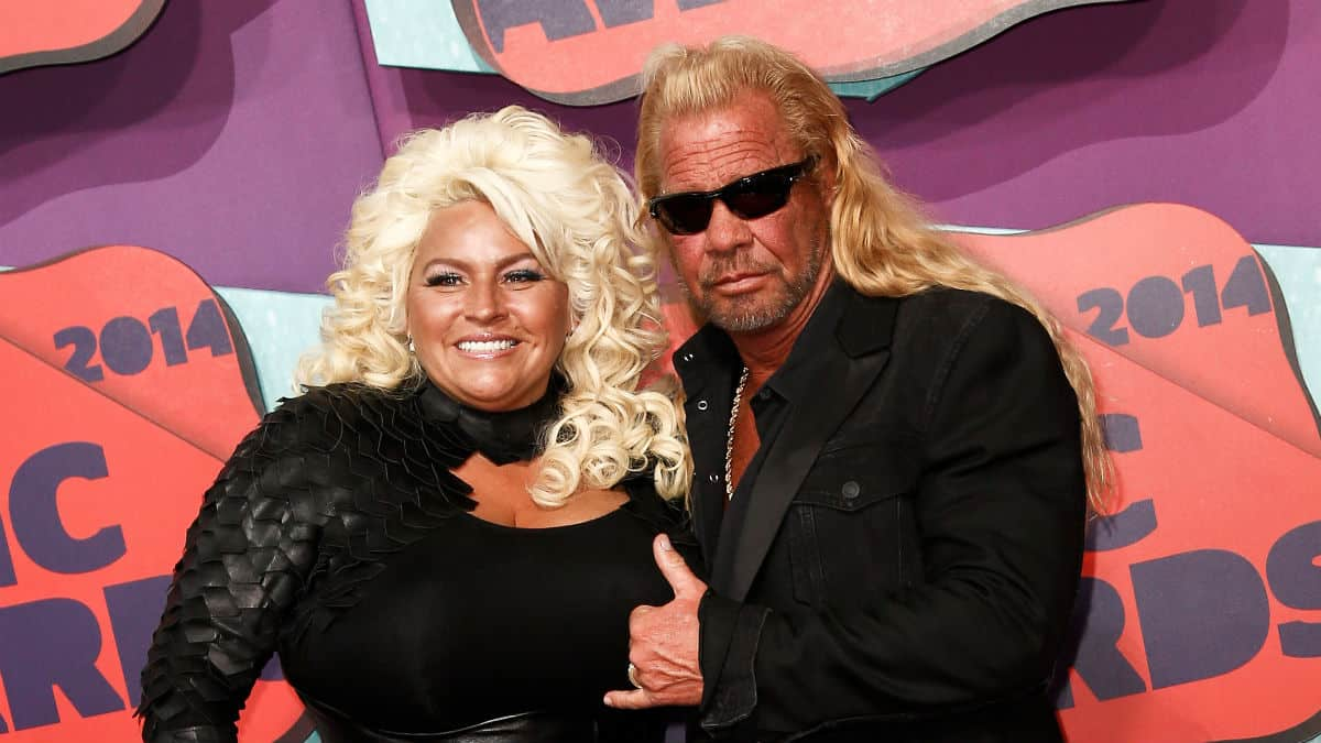 Dog the Bounty Hunter shares post of late wife Beth Chapman