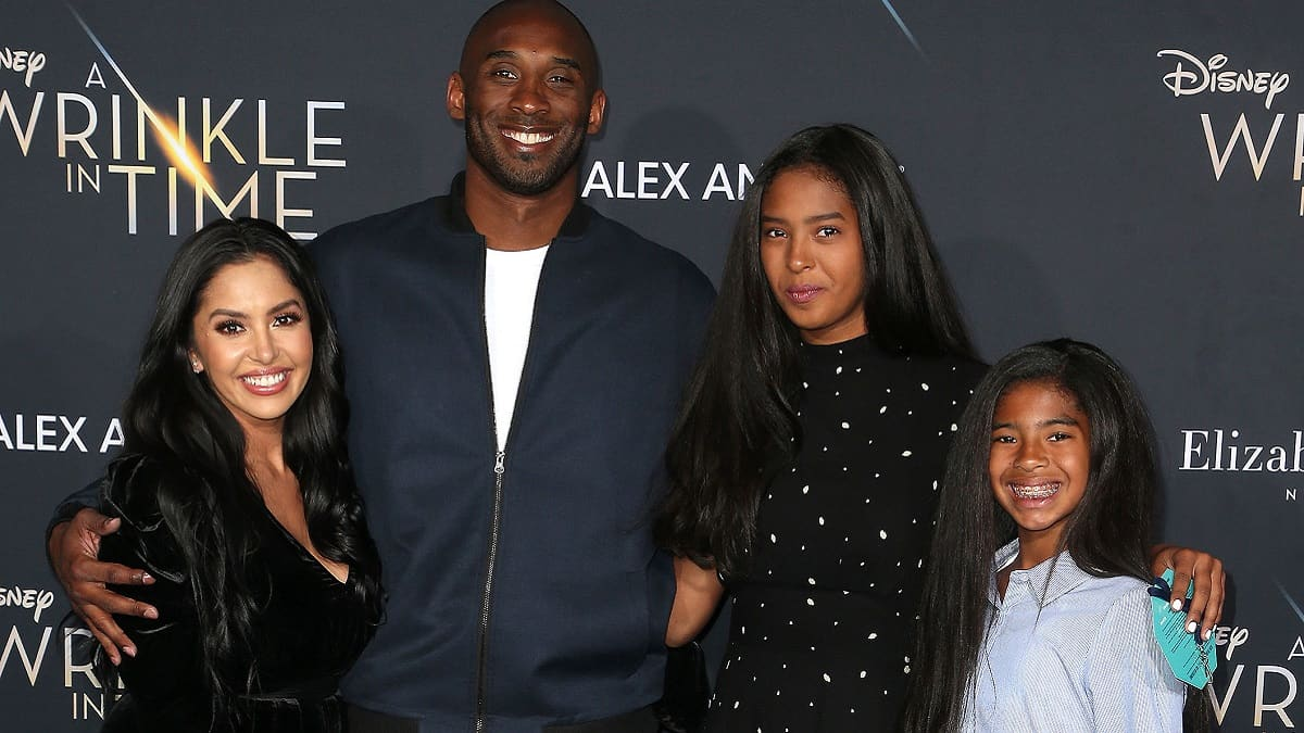 Los Angeles deputies shared Kobe Bryant crash photos