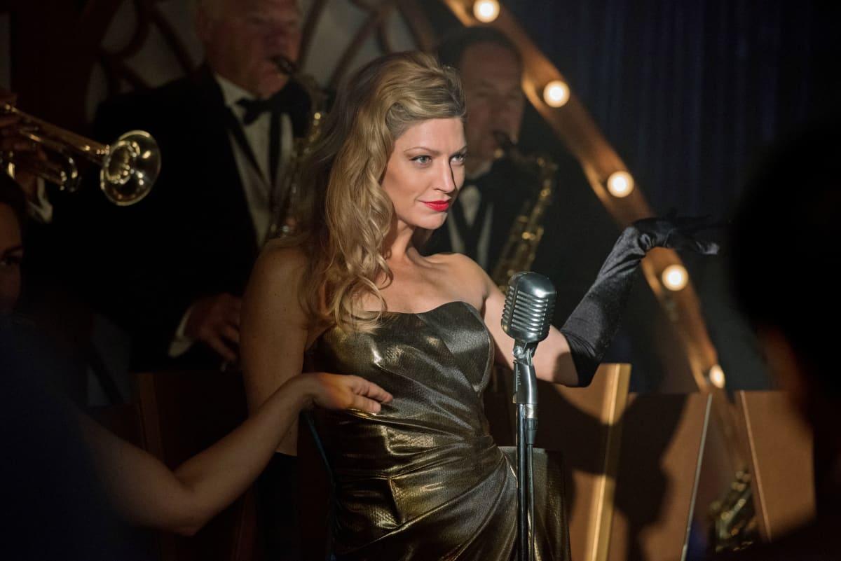 Jes Macallan as Ava Sharpe