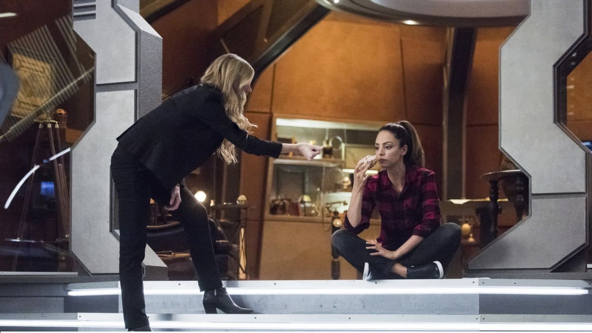 Jes Macallan as Ava Sharpe and Tala Ashe as Zari.