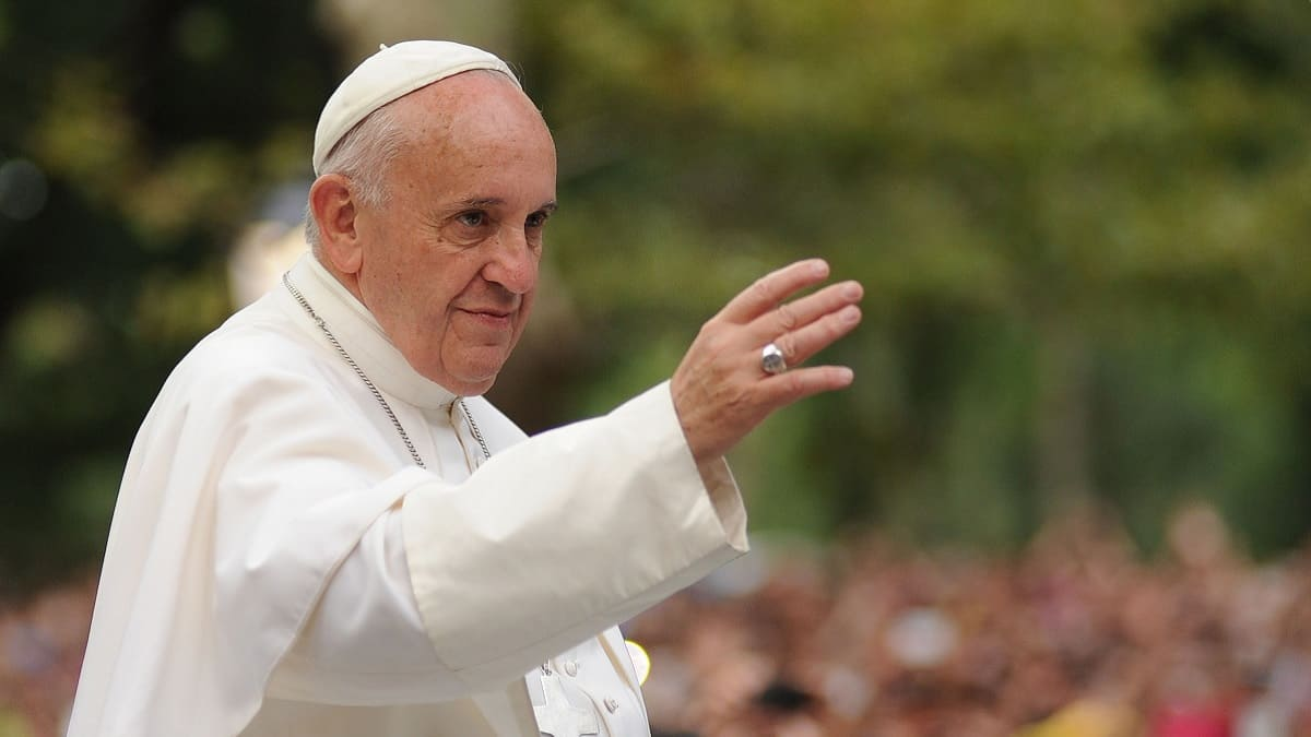 Pope Francis Reportedly Falls ill A Day After Praying For Coronavirus Sufferers