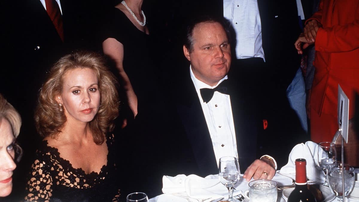 Rush Limbaugh gets support from wife Kathryn Adams Limbaugh in fighting lung cancer.