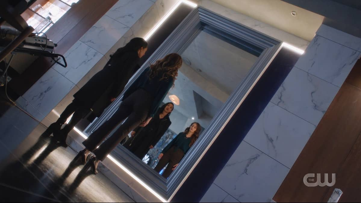 Iris (Candice Patton) and Eva (Efrat Dor) consider how to escape the Mirrorverse. Pic credit: The CW