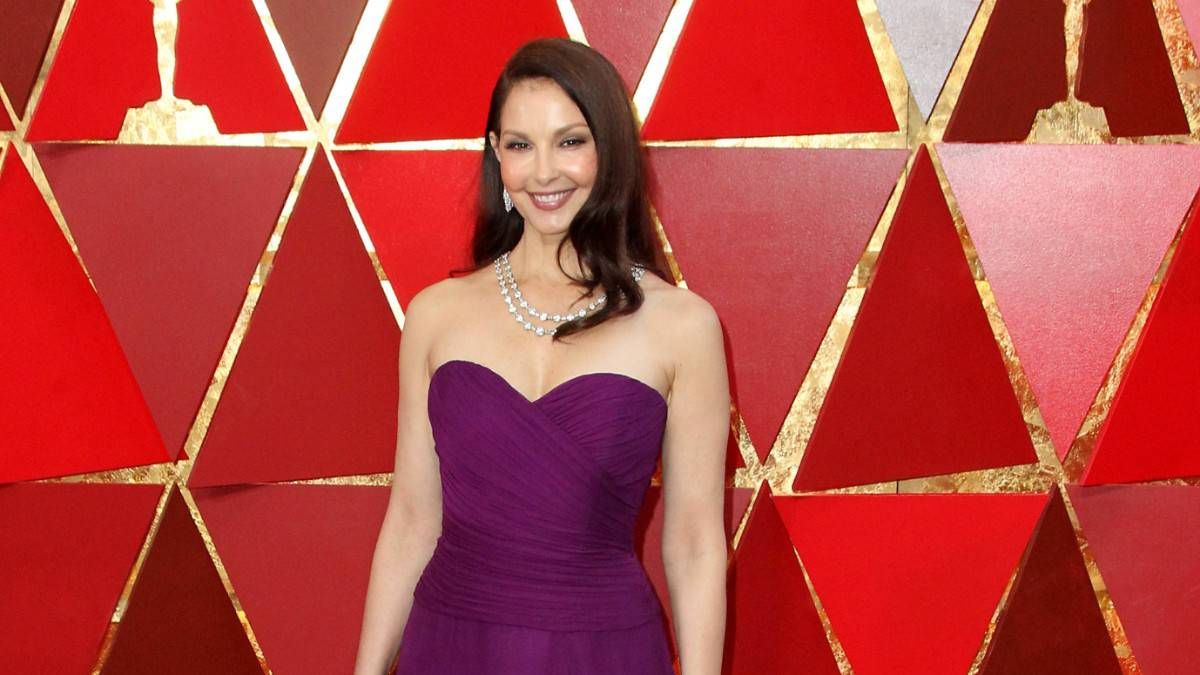 Ashley Judd on the red carpet