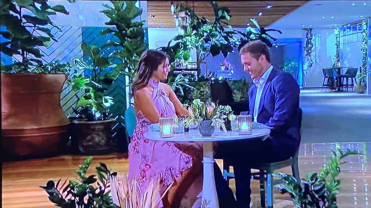 Peter and Hannah Ann sit down to dinner on season 24 episode 9 of The Bachelor.