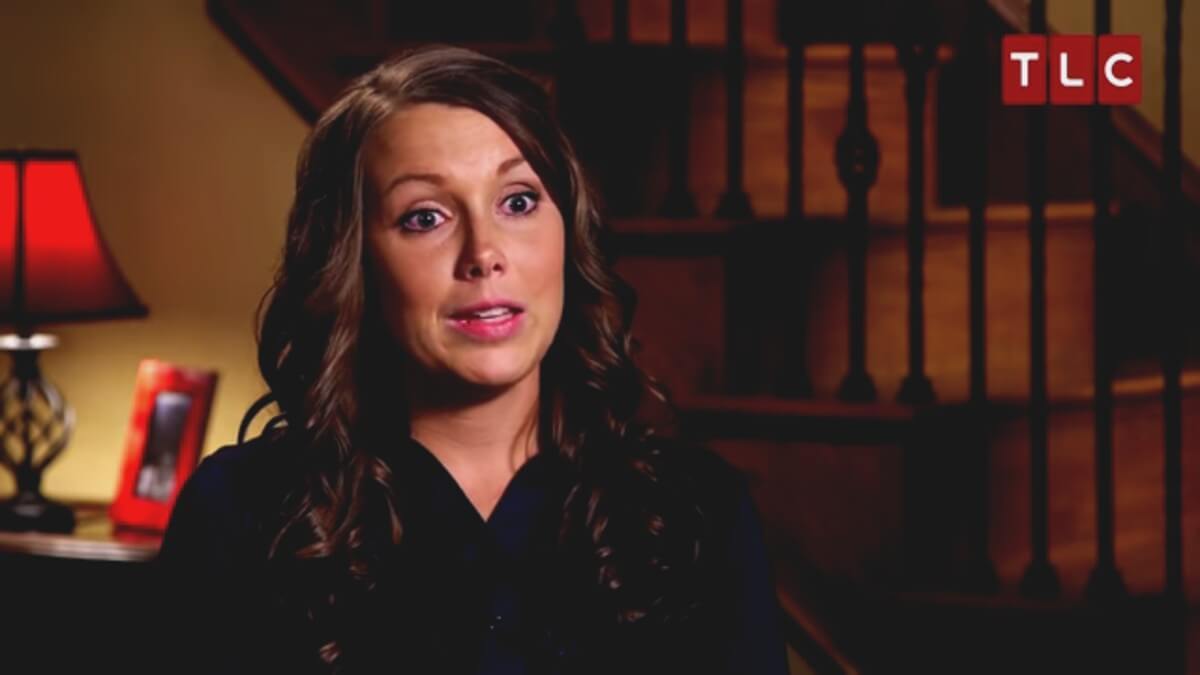 Anna Duggar in a Counting On confessional.