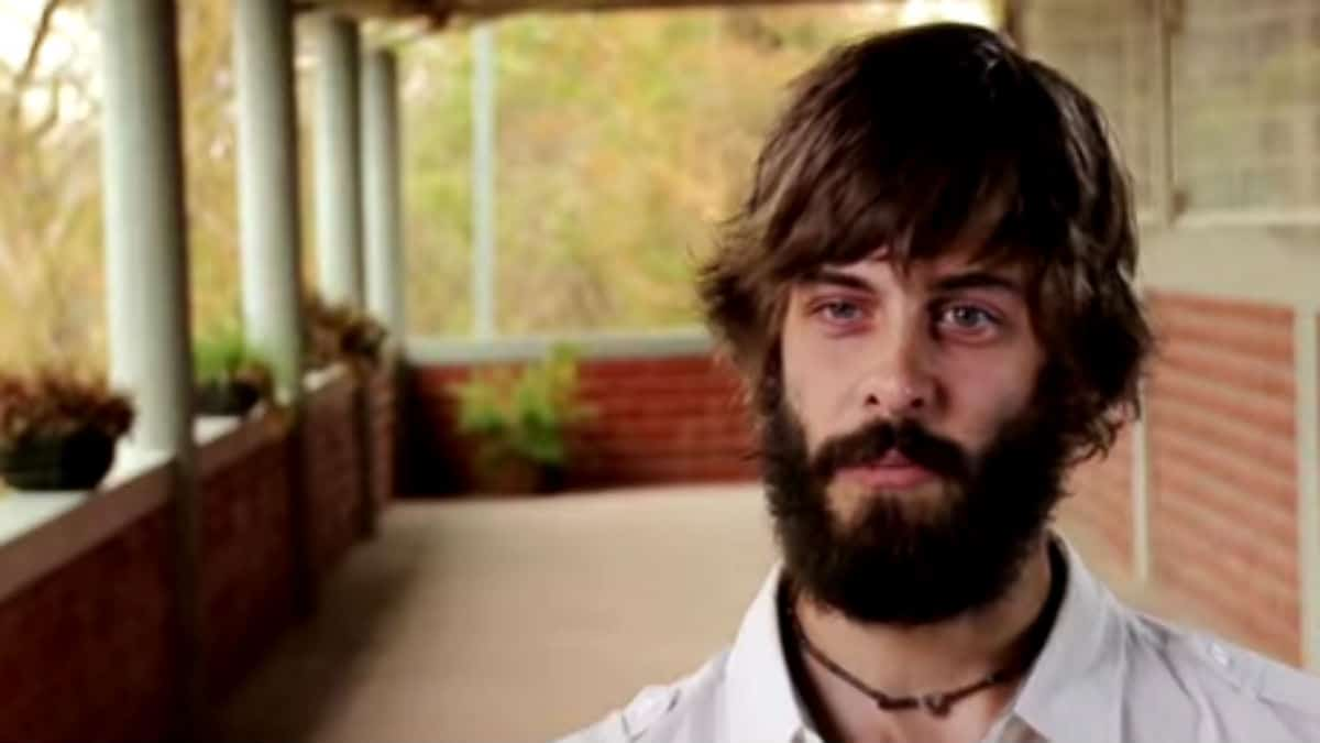 Derick Dillard in a Counting On confessional.