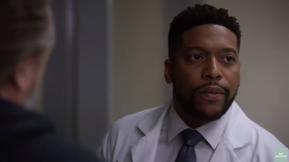 Jocko Sims on set as Dr. Reynolds