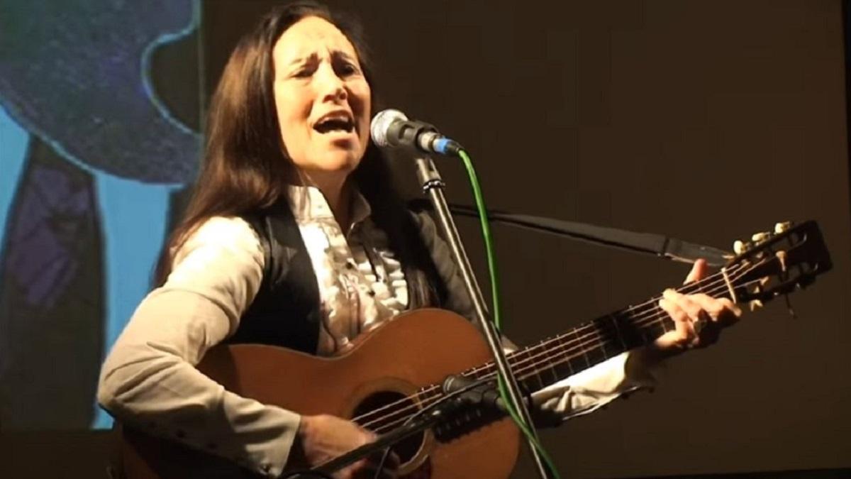 Singer Julie Felix