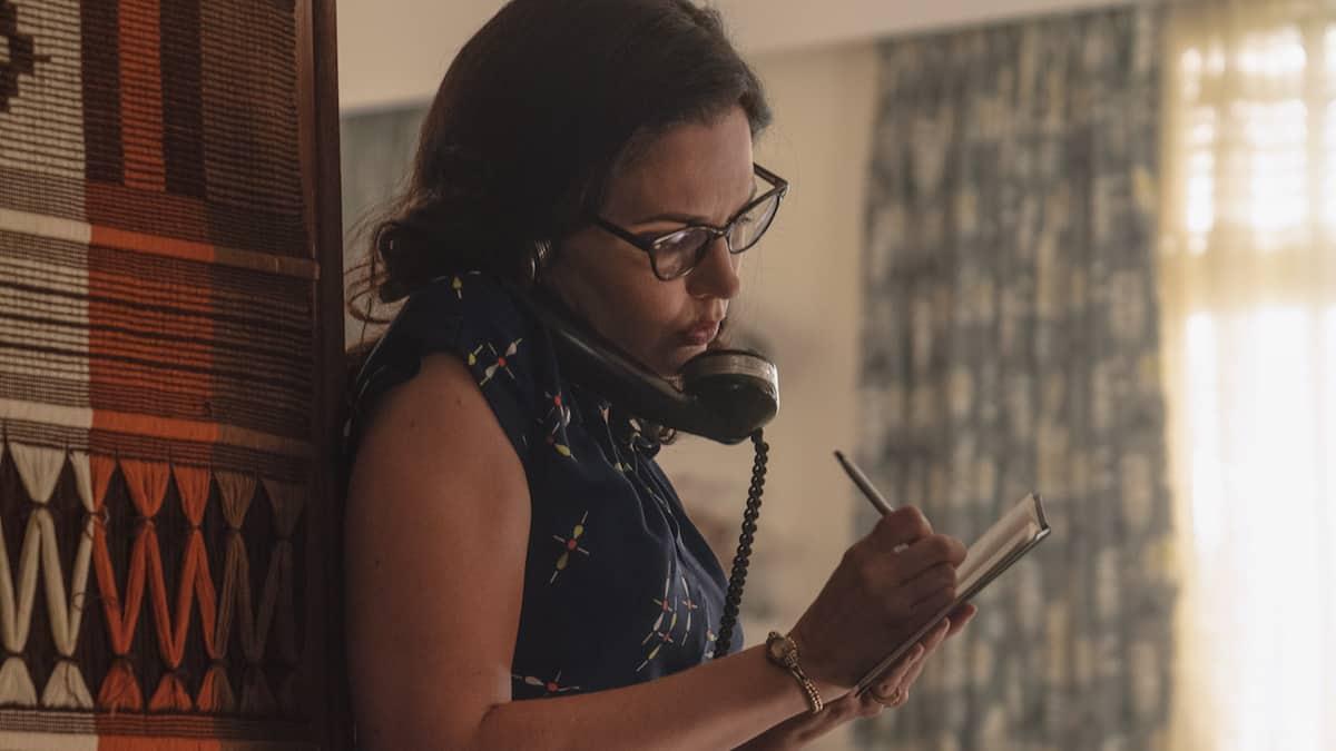 Laura Mennell as Mimi Hynek in Project Blue Book Season 2, Episode 1.