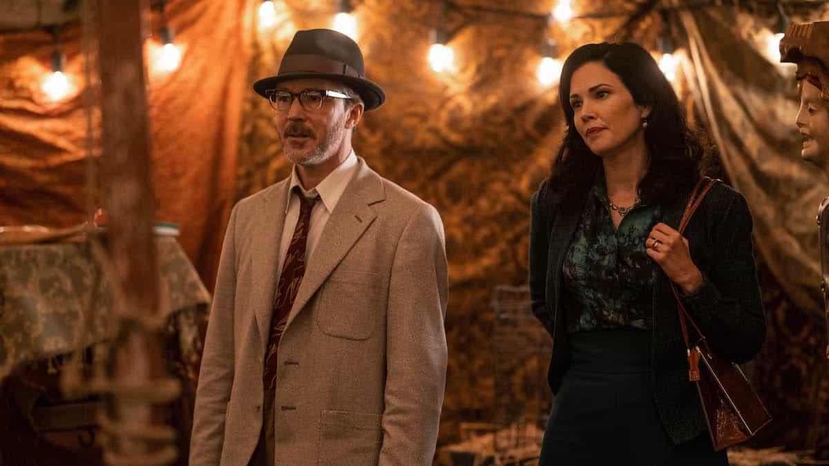 Aidan Gillen as Dr. J. Allen Hynek and Laura Mennell as Mimi Hynek in Project Blue Book