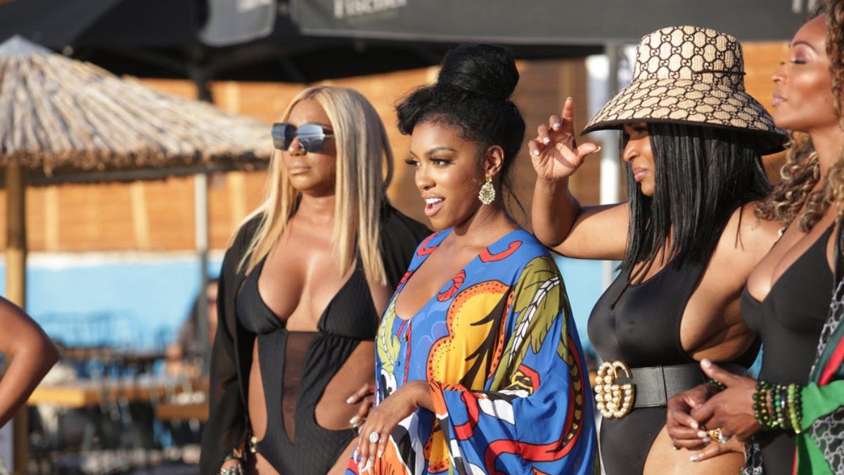 Real Housewives of Atlanta's NeNe Leakes, Porsha Williams, Marlo Hampton, Cynthia Bailey enjoy the sun in Greece.