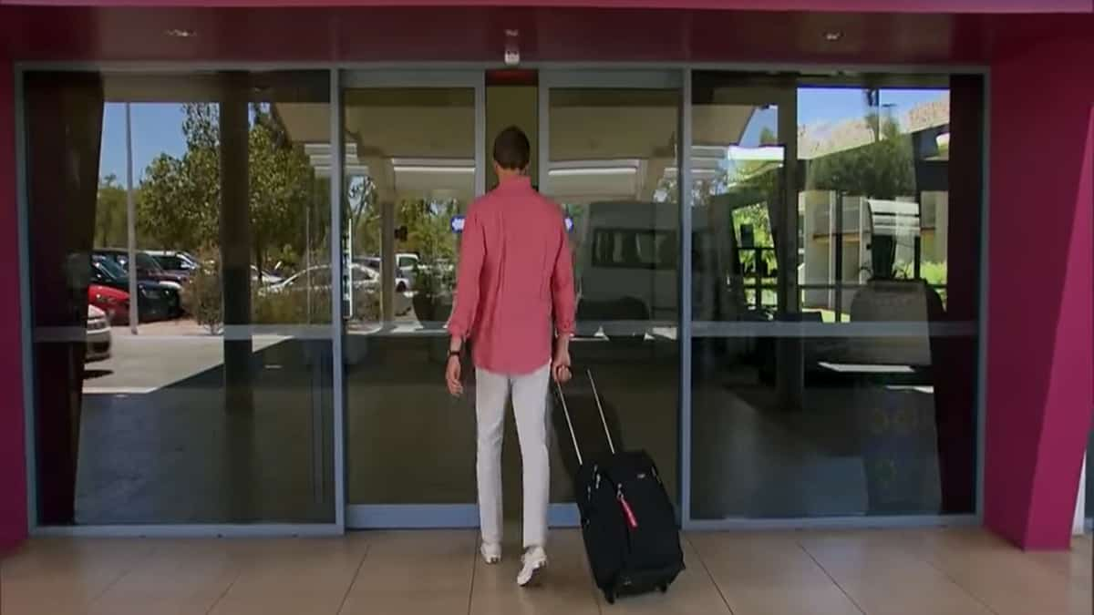 The Bachelor's Peter Weber begins Part 1 of the season's finale by walking into a hotel with a suitcase