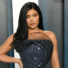 kylie jenner uses instagram stories to help surgeon general