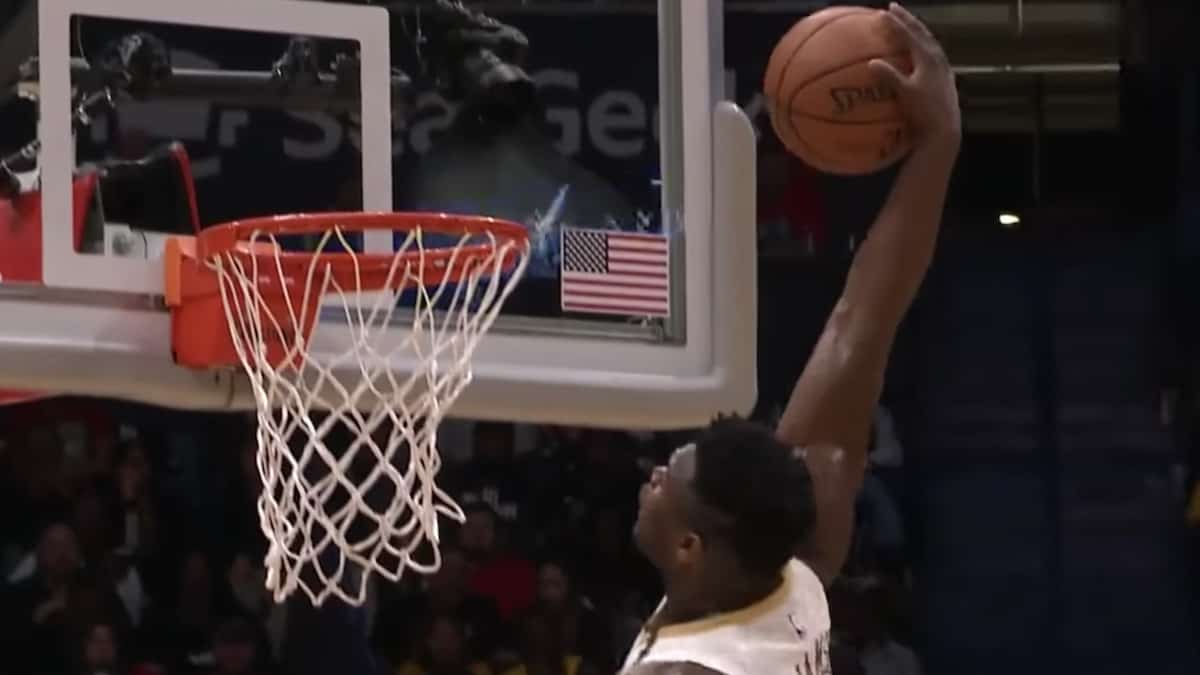 new orleans pelicans rookie zion williamson dunks against lakers