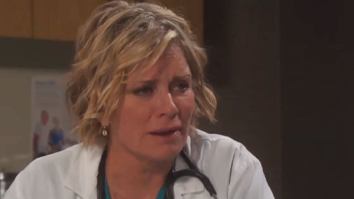 Kayla has to choose between Steve and Justin on Days of our Lives