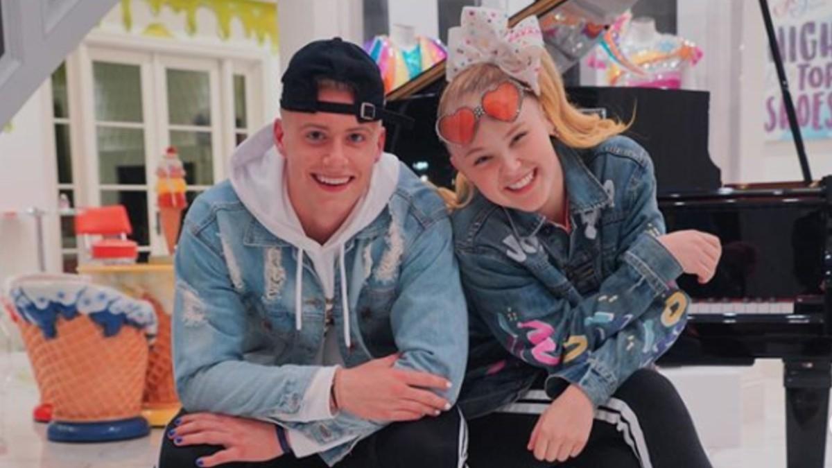 JoJo Siwa and Elliott Brown pose on Instagram