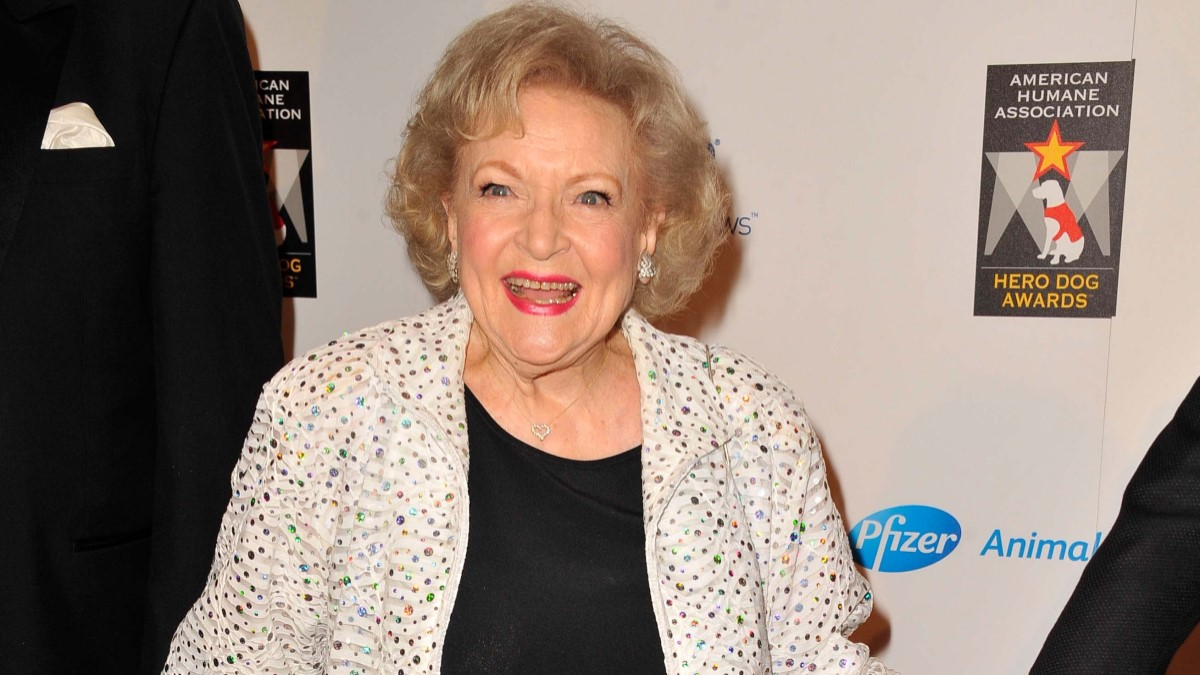 Betty White red carpet