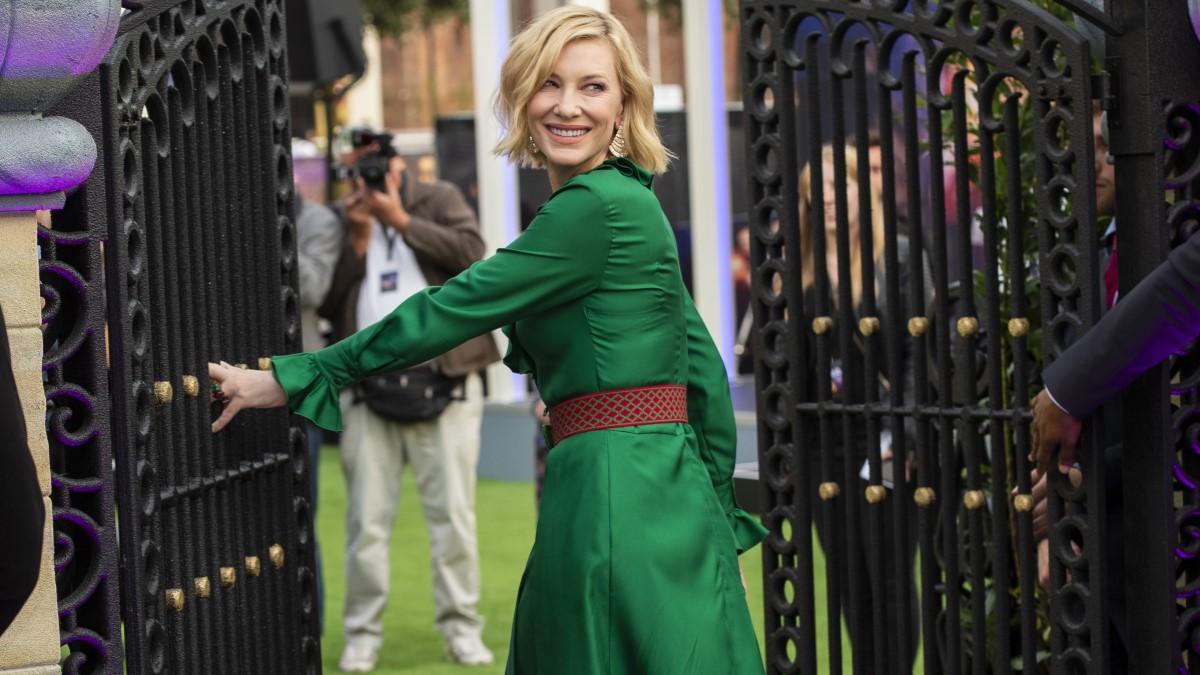 Cate Blanchett Clock