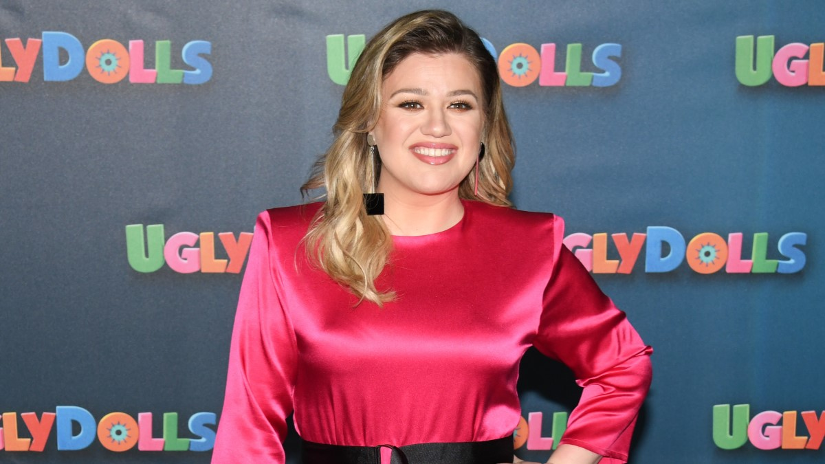 Kelly Clarkson Red Carpet