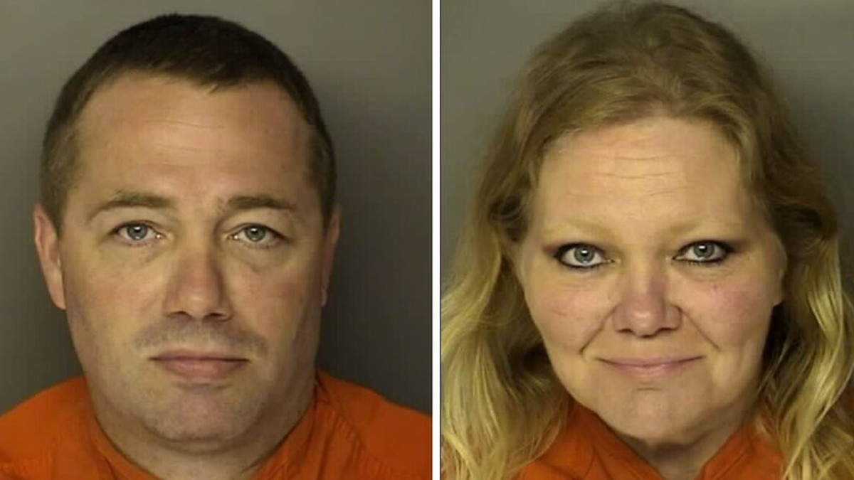Mugshots of Sidney and Tammy Moorer