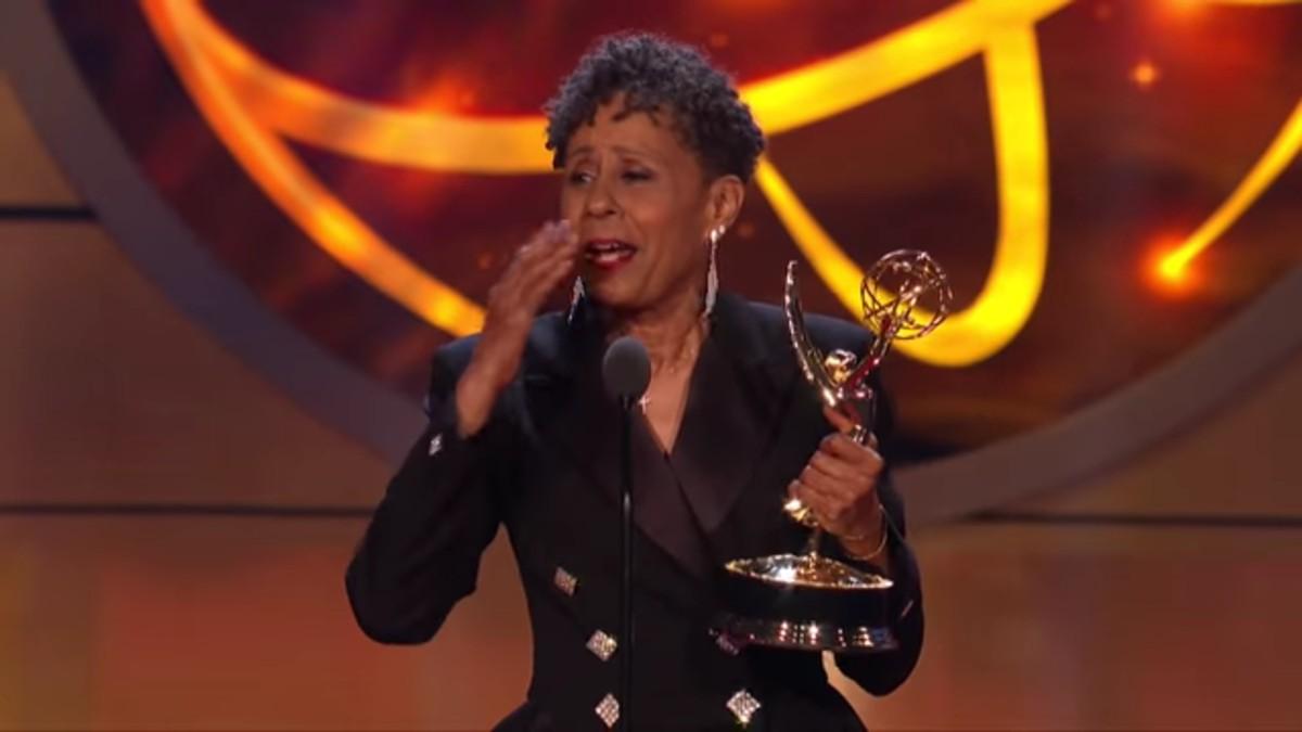 Vernee Watson winning a Daytime Emmy.
