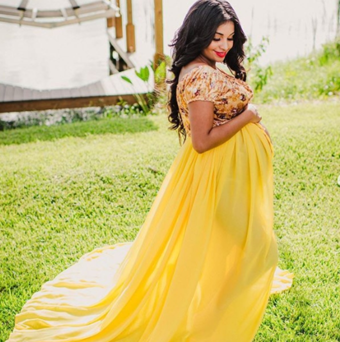 Anny shares new maternity images