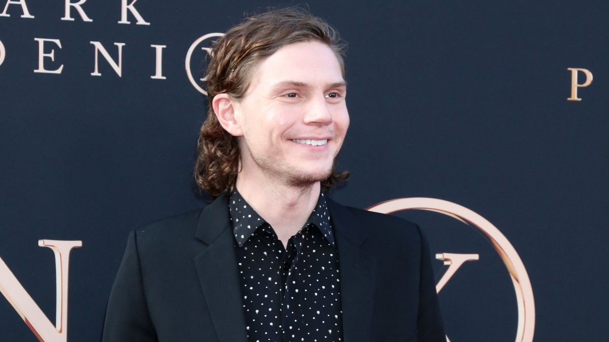 Evan Peters Red Carpet