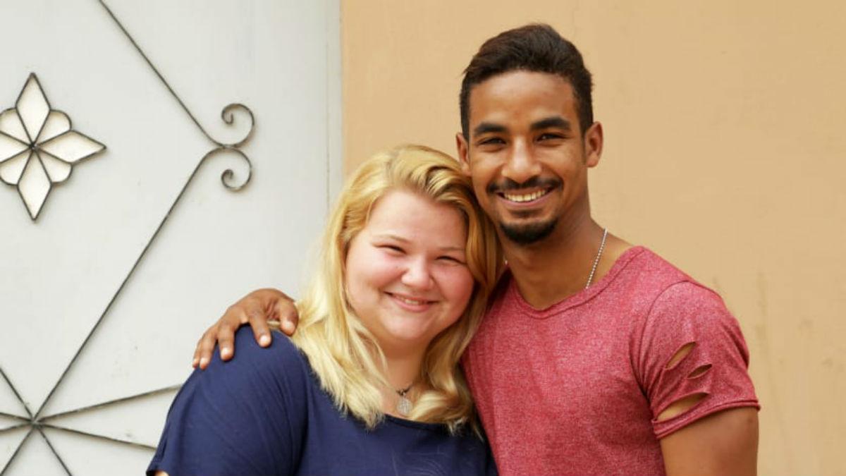 90 Day Fiance alum Nicole Nafziger shuts down pregnancy rumors.