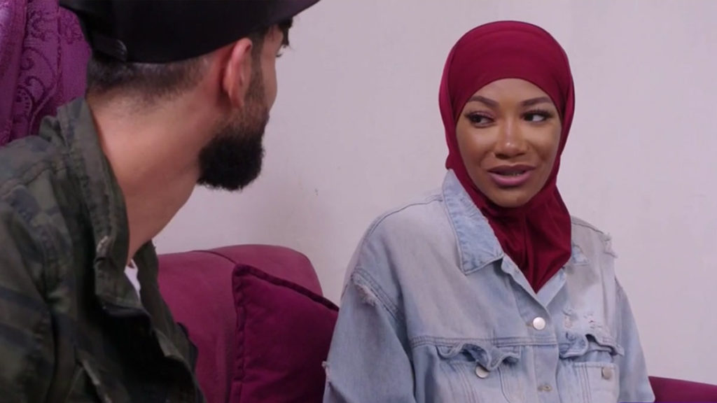 brittany wearing hijab giving questioning look to yazan on 90 day fiance the other way