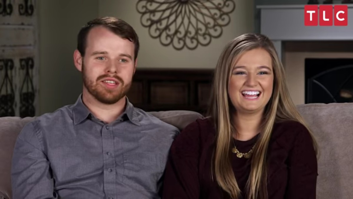 Joe and Kendra Duggar in a Counting On confessional.