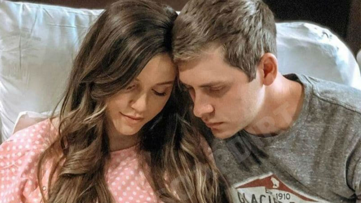 Joy-Anna Duggar broke down crying over miscarriage on Counting On premiere.