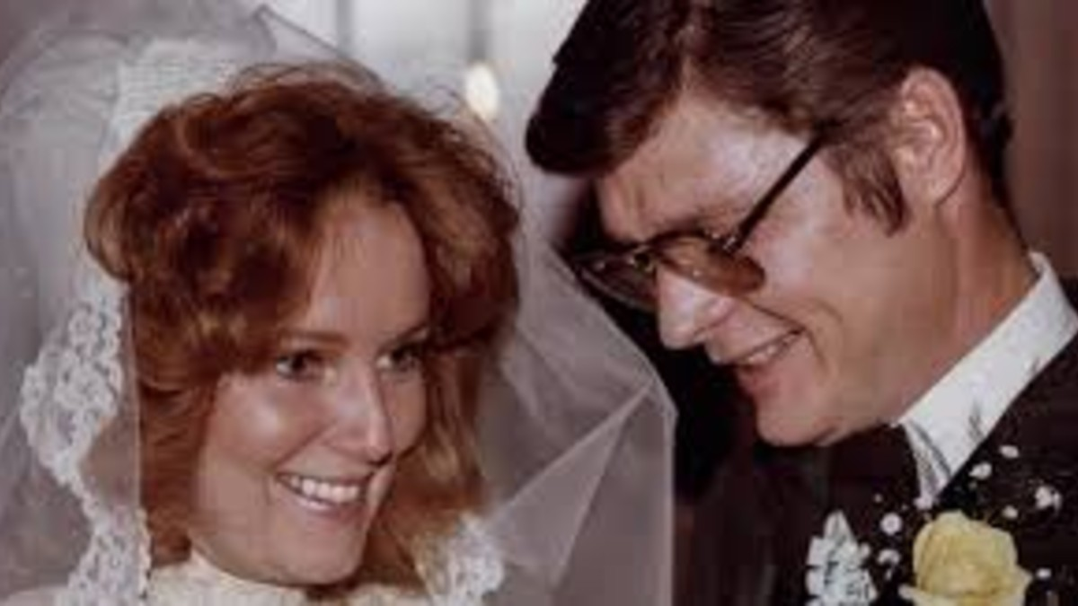 Lee and Pamela Hartley on their wedding day
